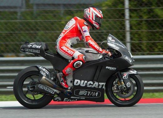 MotoGP test Sepang: Ducati e Rossi perdono, Honda e Stoner volano - Foto 21 di 24