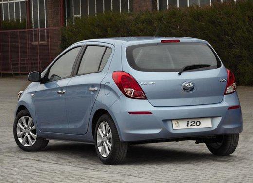 Hyundai i20, le foto degli interni del restyling 2012 - Foto 2 di 18