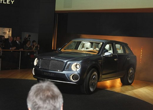 Bentley EXP 9 F Concept - Foto 25 di 43