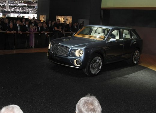 Bentley EXP 9 F Concept - Foto 27 di 43