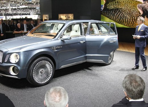 Bentley EXP 9 F Concept - Foto 18 di 43