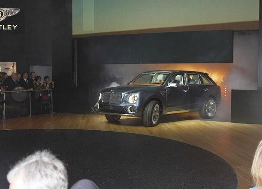 Bentley EXP 9 F Concept - Foto 21 di 43
