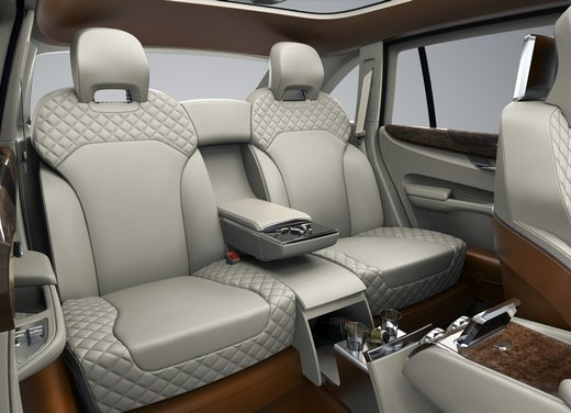 Bentley EXP 9 F Concept - Foto 42 di 43