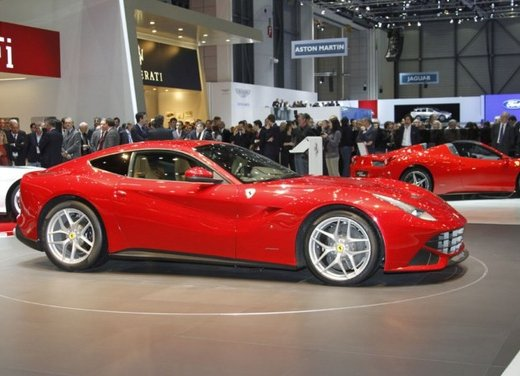 Ferrari F12berlinetta video del debutto in pista - Foto 14 di 39