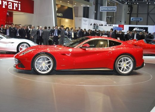 Ferrari F12berlinetta video del debutto in pista - Foto 22 di 39