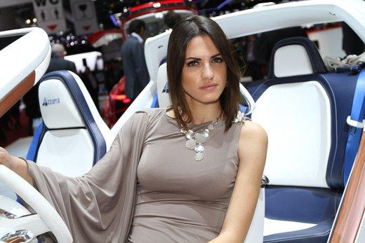 Tutte le più belle ragazze del Salone di Ginevra 2012 - Foto 18 di 24