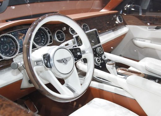 Bentley EXP 9 F Concept - Foto 9 di 43