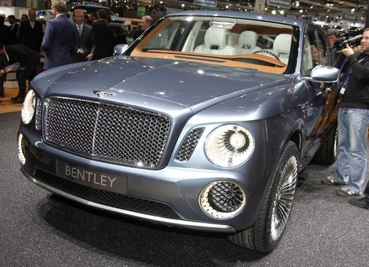 Bentley EXP 9 F Concept - Foto 3 di 43