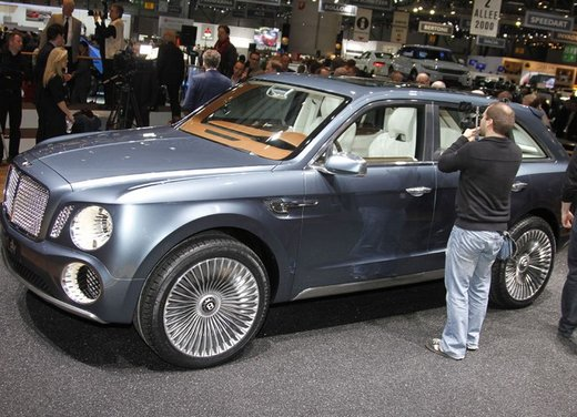 Bentley EXP 9 F Concept - Foto 4 di 43