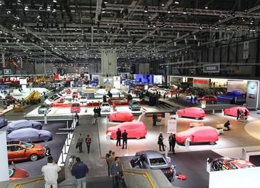 Panoramica degli stand del Salone di Ginevra 2012