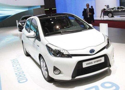 Toyota Yaris Hybrid 1.5 Lounge in promozione a 15.250 euro - Foto 5 di 16