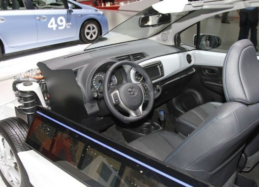 Toyota Yaris Hybrid 1.5 Lounge in promozione a 15.250 euro - Foto 11 di 16