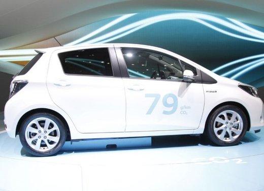 Toyota Yaris Hybrid 1.5 Lounge in promozione a 15.250 euro - Foto 14 di 16