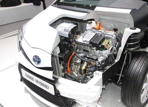 Toyota Yaris Hybrid 1.5 Lounge in promozione a 15.250 euro - Foto 6 di 16