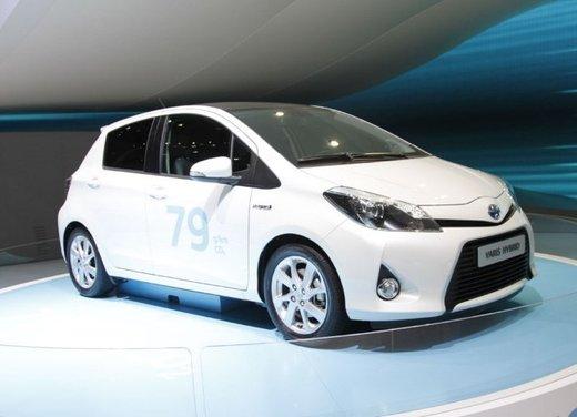 Toyota Yaris Hybrid 1.5 Lounge in promozione a 15.250 euro - Foto 9 di 16