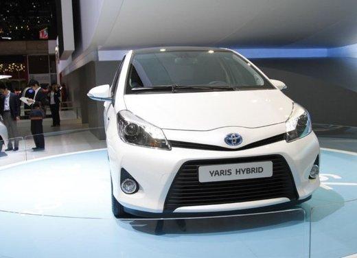 Toyota Yaris Hybrid 1.5 Lounge in promozione a 15.250 euro - Foto 7 di 16