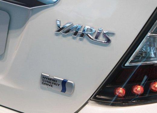 Toyota Yaris Hybrid 1.5 Lounge in promozione a 15.250 euro - Foto 10 di 16