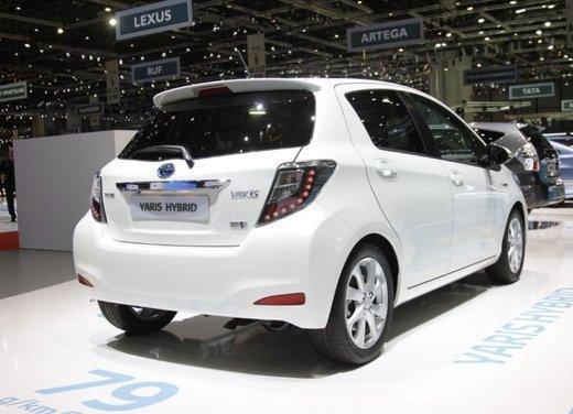 Toyota Yaris Hybrid 1.5 Lounge in promozione a 15.250 euro - Foto 16 di 16