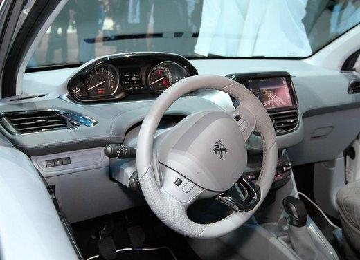 Peugeot 208 Access 3 porte con motore 12V 1.0 VTi da 68 CV a 11.650 € - Foto 5 di 48
