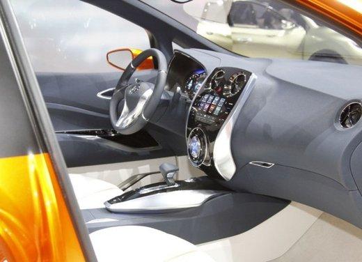 Nissan Invitation Concept - Foto 3 di 15