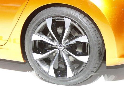 Nissan Invitation Concept - Foto 4 di 15