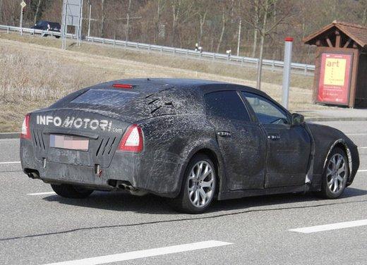 Nuove foto spia della Maserati Quattroporte durante i collaudi - Foto 16 di 18
