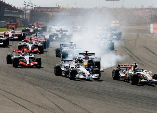 Brembo frena le monoposto di Formula 1 nel mondiale 2012 - Foto 5 di 12