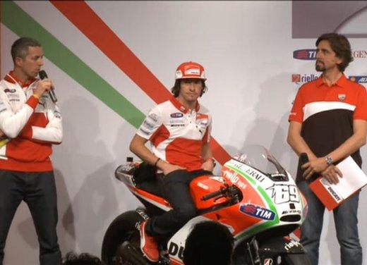 Ducati GP12 di Valentino Rossi svelata lunedì 19 marzo - Foto 9 di 21