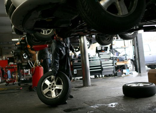 Revisione auto, costo di 2,5 miliardi nel 2011 per gli automobilisti italiani - Foto 6 di 6