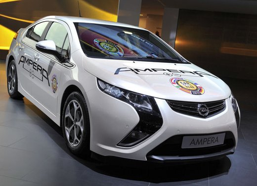 Opel Ampera al Rally di Montecarlo 2012 dell'energia alternativa