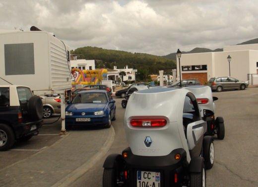 Renault Twizy provata su strada a Ibiza - Foto 6 di 33