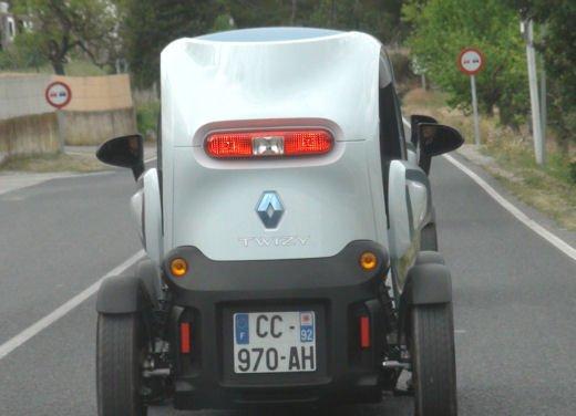 Renault Twizy provata su strada a Ibiza - Foto 10 di 33