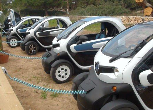 Renault Twizy provata su strada a Ibiza - Foto 15 di 33