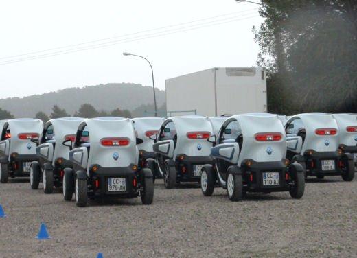 Renault Twizy provata su strada a Ibiza - Foto 26 di 33