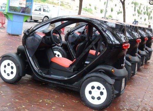 Renault Twizy provata su strada a Ibiza - Foto 33 di 33
