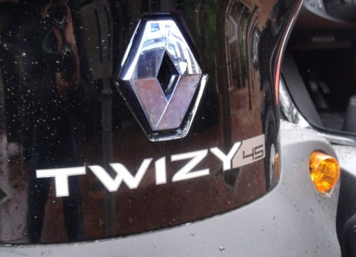 Renault Twizy provata su strada a Ibiza - Foto 1 di 33