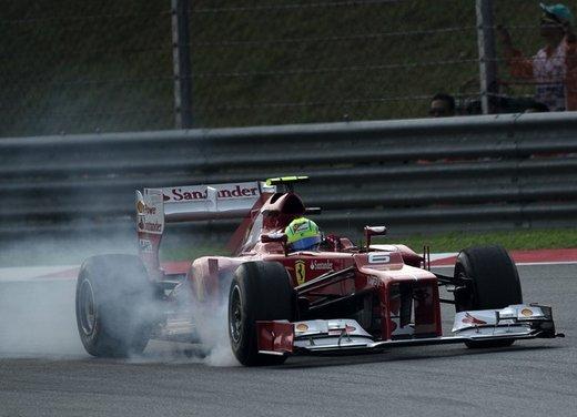 F1 GP Malesia 2012: Felipe Massa non bada alle voci di una sostituzione in Ferrari