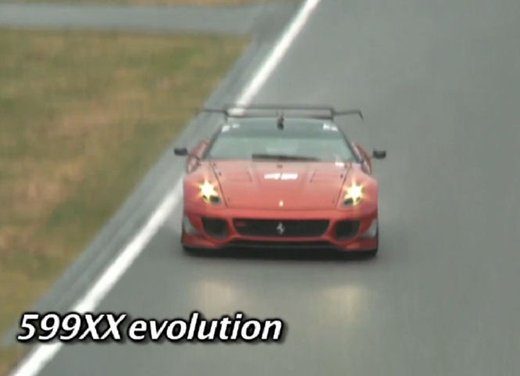 Ferrari 599XX Evolution, il debutto in pista - Foto 11 di 25
