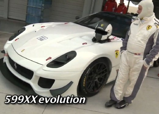 Ferrari 599XX Evolution, il debutto in pista - Foto 6 di 25