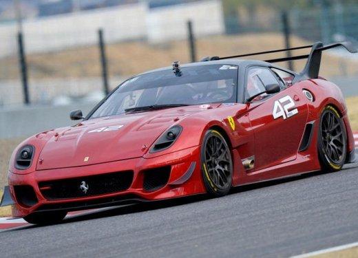 Ferrari 599XX Evolution, il debutto in pista - Foto 19 di 25