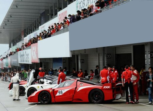 Ferrari 599XX Evolution, il debutto in pista - Foto 17 di 25