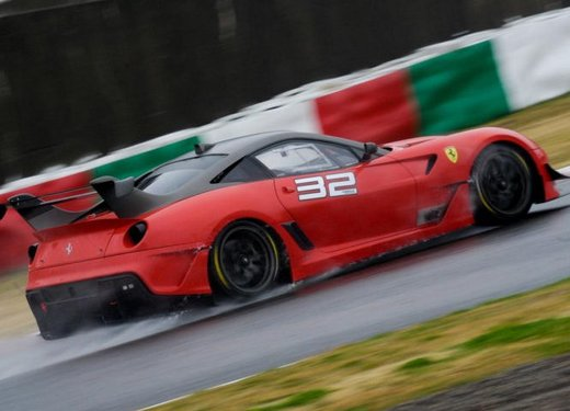 Ferrari 599XX Evolution, il debutto in pista - Foto 16 di 25