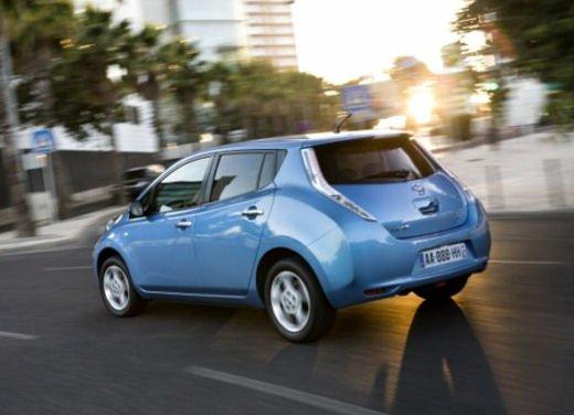 Nissan Leaf di servizio nelle aree di sosta giapponesi - Foto 12 di 28
