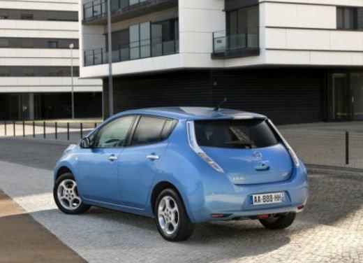 Nissan Leaf di servizio nelle aree di sosta giapponesi - Foto 14 di 28