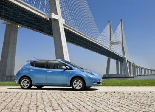 Nissan Leaf di servizio nelle aree di sosta giapponesi - Foto 15 di 28