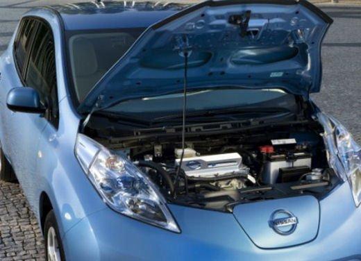 Nissan Leaf di servizio nelle aree di sosta giapponesi - Foto 3 di 28