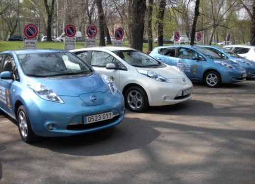 Nissan LEAF, provata a Milano la Nissan 100% elettrica