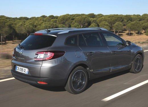 Nuova gamma Renault Mégane provata su strada a Siviglia - Foto 14 di 17