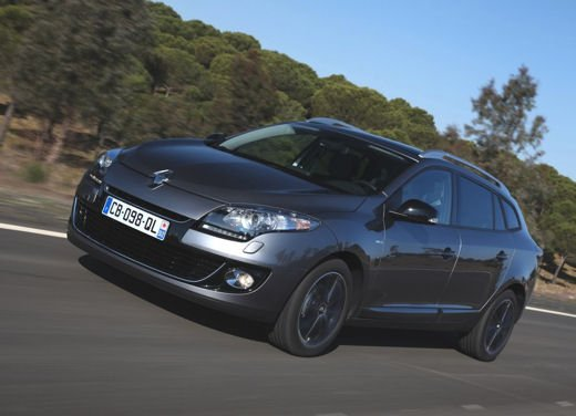 Nuova gamma Renault Mégane provata su strada a Siviglia - Foto 15 di 17