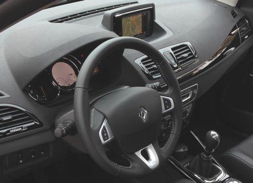 Nuova gamma Renault Mégane provata su strada a Siviglia - Foto 2 di 17